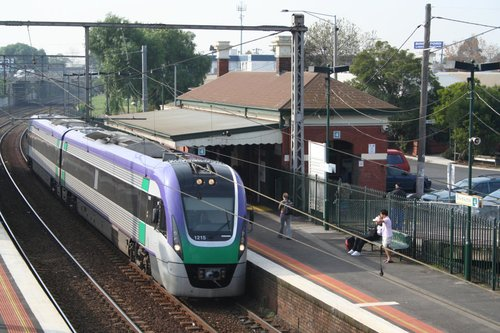 VL15 on a down Geelong service at Footscray