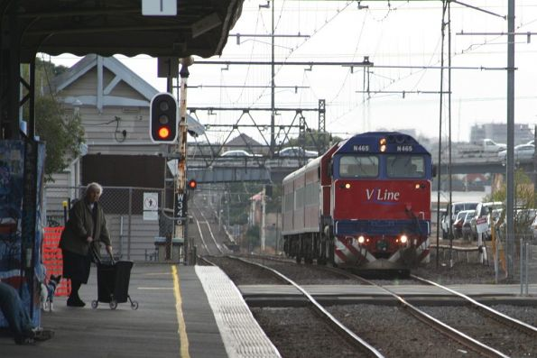 N465 leads a 3-car down Geelong service towards Spotswood