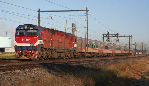 N469 on the up at Altona Junction with carset VN17