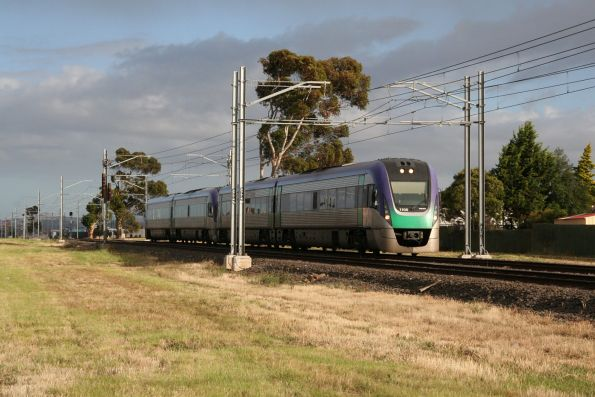 VLocity VL06 and VL01 lead an up Bendigo service out of Sydenham