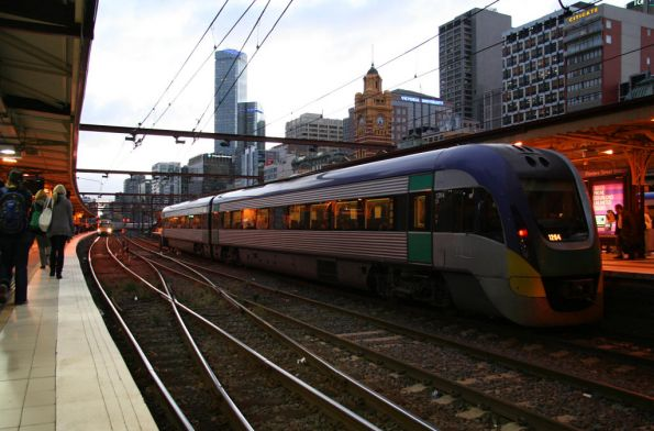 VLocity VL04 at Flinders Street Station