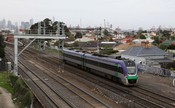 VLocity VL07 at Middle Footscray - that stupid signal gantry blocks everything, and it isn't even level