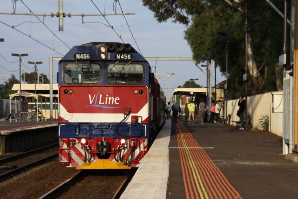 N456 on a very delayed down Geelong service, waiting for an up train on the West line before we can head 'wrong line'