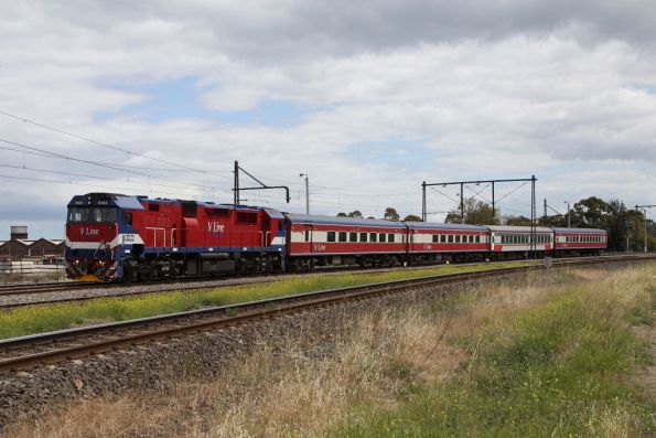 N464 leads the up Warrnambool into Newport