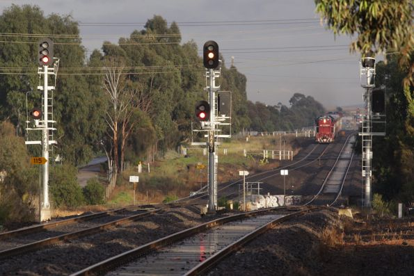 Up push-pull departs Ardeer station very slowly