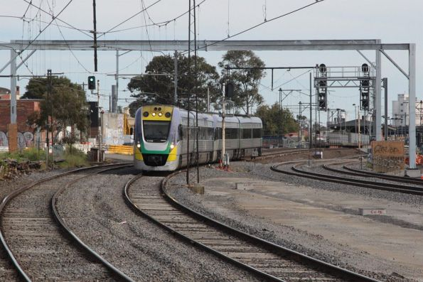 VLocity VL16 and classmate pass RRL works at Middle Footscray