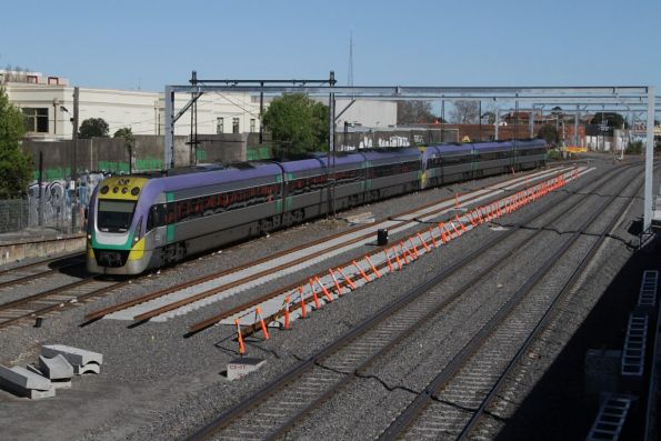 VLocity 3VL26 and classmate on the up at Middle Footscray