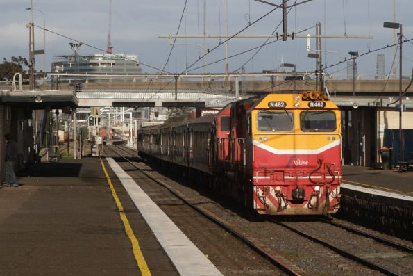 N462 passes through West Footscray on the down
