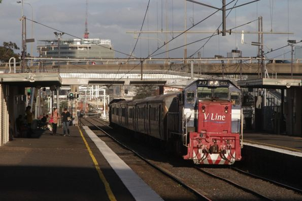 P17 leads a push-pull set through West Footscray