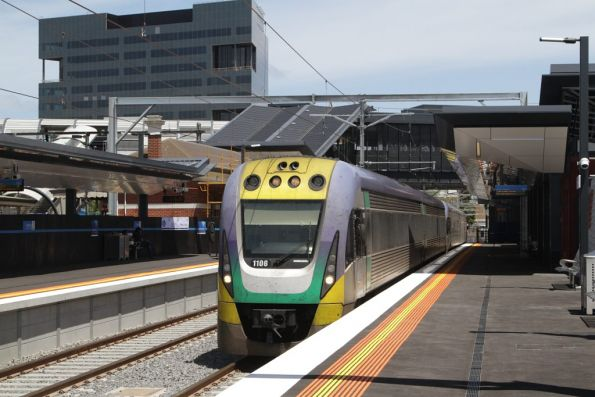 VLocity VL06 and classmate arrive into the new platform 1 at Footscray