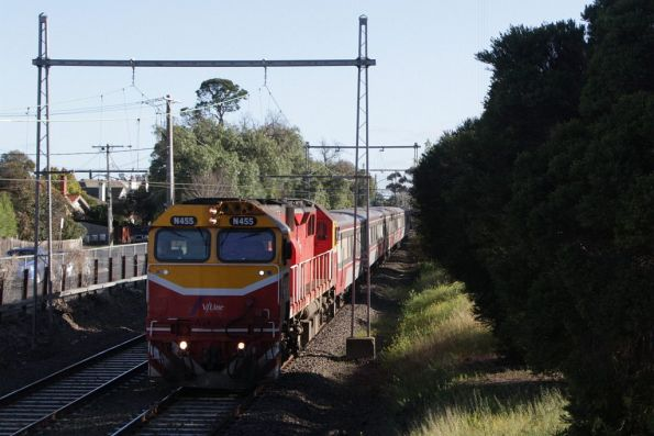 N455 leads an up Seymour service out of Moonee Ponds