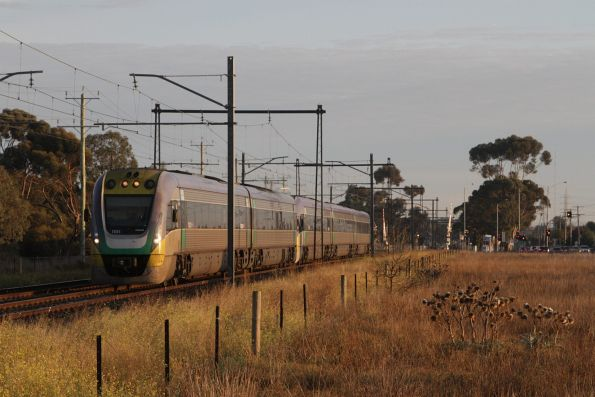 VLocity VL01 leads an up Bendigo service at Ginifer