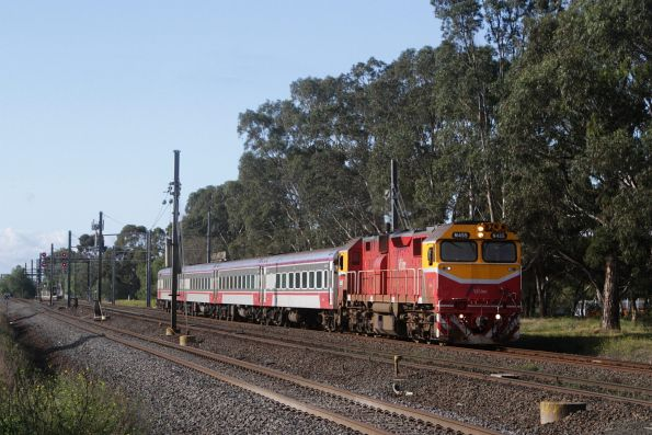 N455 leads the down Warrnambool service past the end of the overhead wires at Werribee