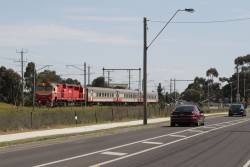 N452 leads the up Swan Hill service past Furlong Road, Ginifer