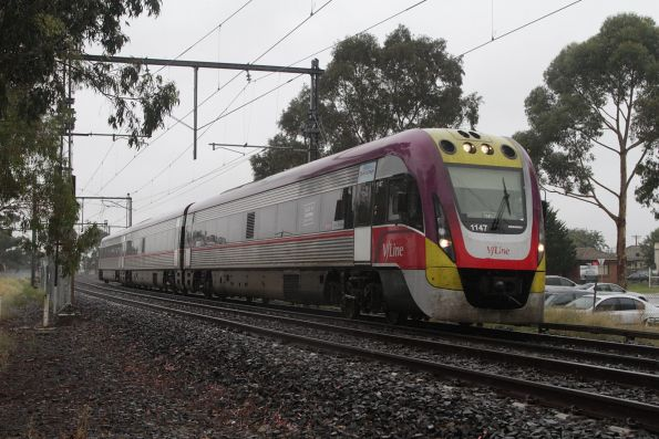 VLocity 3VL47 on an up Bendigo service arrives into St Albans