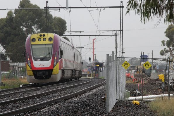 VLocity 3VL47 on an up Bendigo service passes grade separation works at St Albans