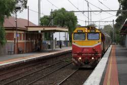 N461 leads the up Shepparton service through Newmarket