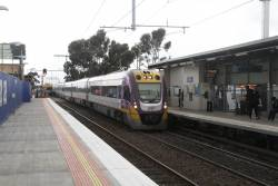 VLocity VL09 and classmate lead an up Bendigo service through St Albans