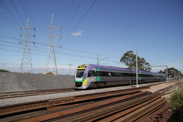 VLocity VL19 between Ginifer and St Albans with a down Bendigo service
