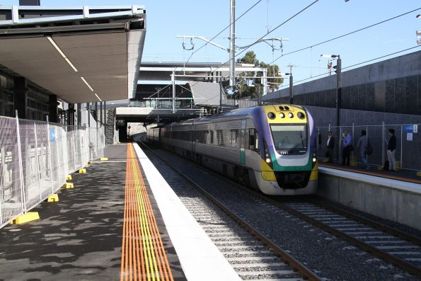 VLocity VL41 leads VL50 on an up Bendigo service at St Albans