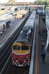 N470 arrives at North Melbourne with an up Shepparton service