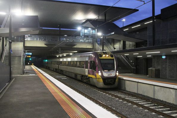VLocity VL07 leads an up Bendigo service through St Albans station