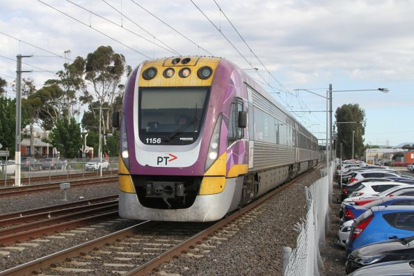 VLocity VL56 arrives into Watergardens with an up Bendigo service