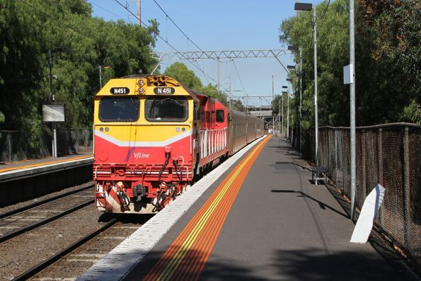 N451 on a down Shepparton service at Pascoe Vale