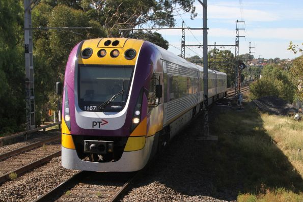 VLocity VL67 approaches Glenbervie station on an up Seymour service