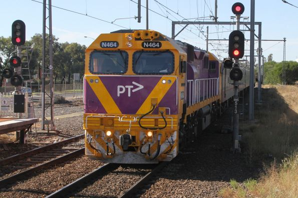 N464 arrives into Broadmeadows with an up Shepparton service