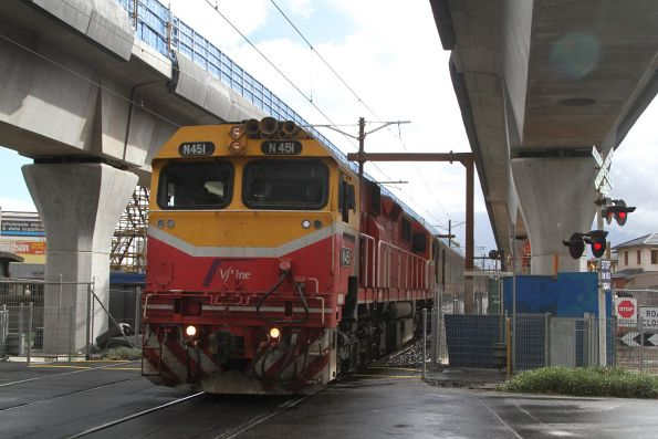 N451 leads a down Bairnsdale service through Murrumbeena