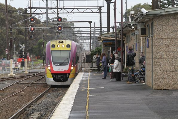 VLocity VL44 arrives into Pakenham station with a down Traralgon service