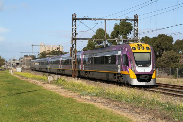 VLocity VL03 and classmate lead an up Bendigo service towards Albion