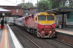 N471 leads an up Shepparton service into North Melbourne