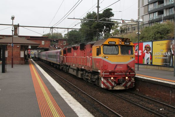 N466 arrives into North Melbourne on the up