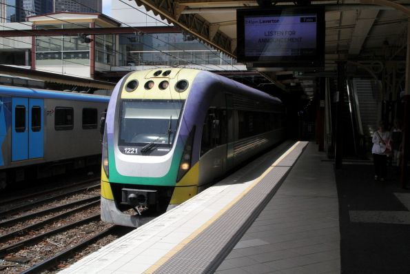 VLocity VL21 arrives into Flinders Street platform 8 on an up Gippsland service