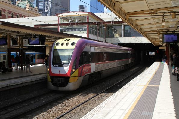 VLocity VL49 arrives into Flinders Street platform 7 on an up Traralgon service