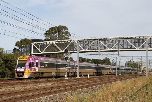 VLocity VL20 and classmate on an up Bendigo service head onto the RRL tracks at Sunshine