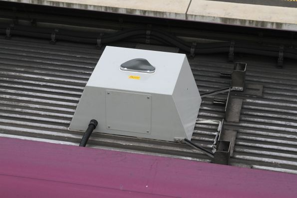 Antenna for the mobile phone retransmitter equipment onboard a VLocity carriage