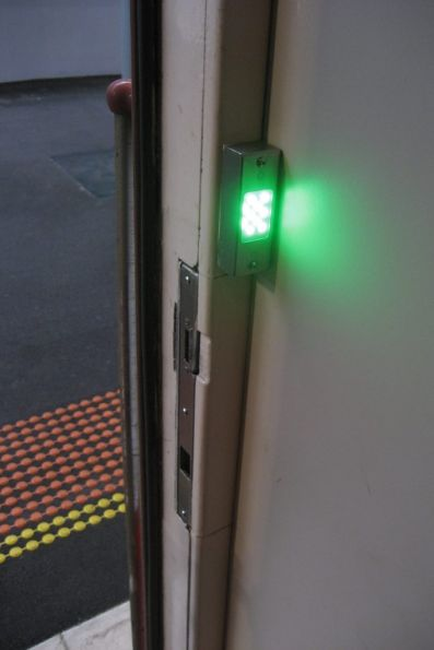 New internal door status indicators on power door N sets