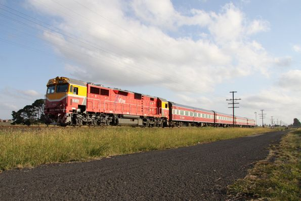 N469 leads the down Shepparton at Donnybrook