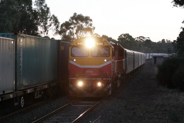 N461 leads the down Shepparton service past the up Tocumwal freight at Tallarook