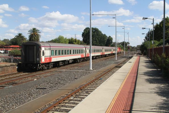 N454 departs Seymour with an up Shepparton service