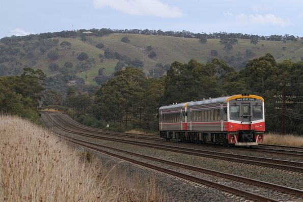 Sprinter 7007 leads 7002 on an up Seymour service at Kilmore East