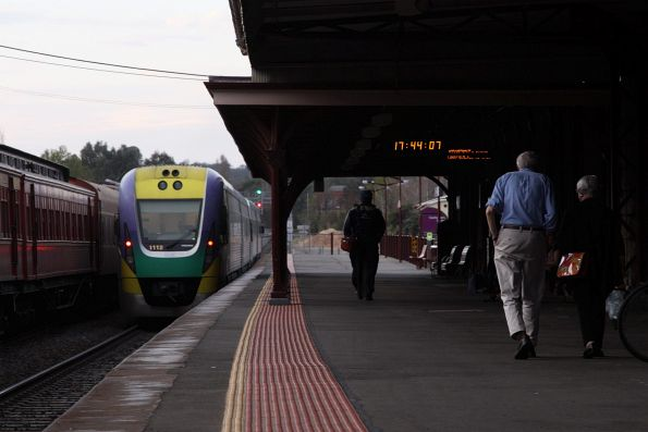 VLocity VL12 departs Castlemaine on the down