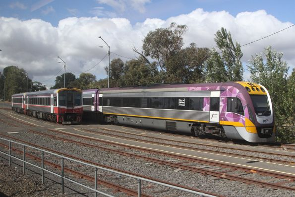 VLocity VL09 and Sprinter 7014 stabled at  Kyneton