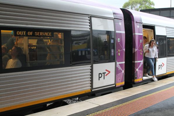 Passengers leave a down Ararat service at Sunshine platform 3