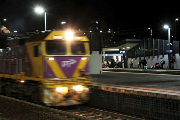 N459 departs Sunshine empty cars, having booted off Warrnambool passengers and leaving them to catch a suburban train
