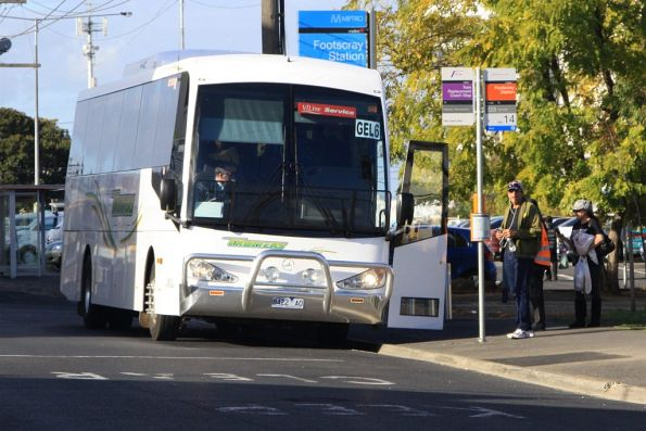 Trotters 8422AO picks up Geelong passengers outside Footscray station
