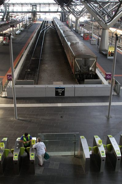 No trains running out of Southern Cross due to RRL works, with V/Line staff directing passengers to the replacement buses